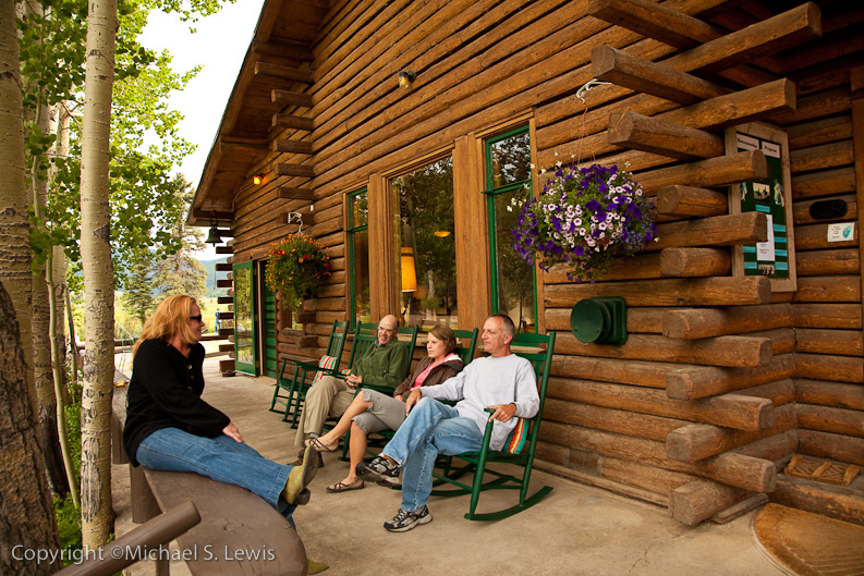 Some 4UR Guests Relaxing in front of the Lodge