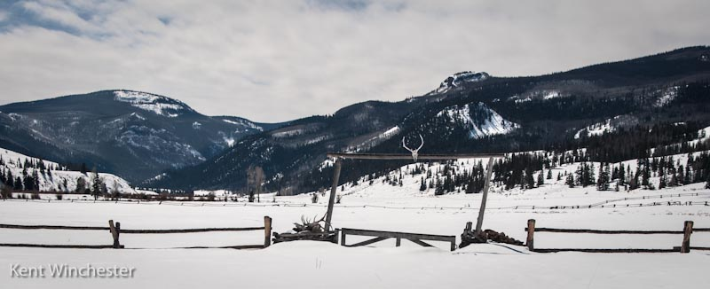 Winter scene at 4UR Colorado Family Guest Ranch.