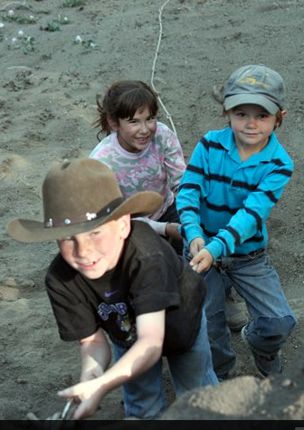 kids at 4UR family dude ranch