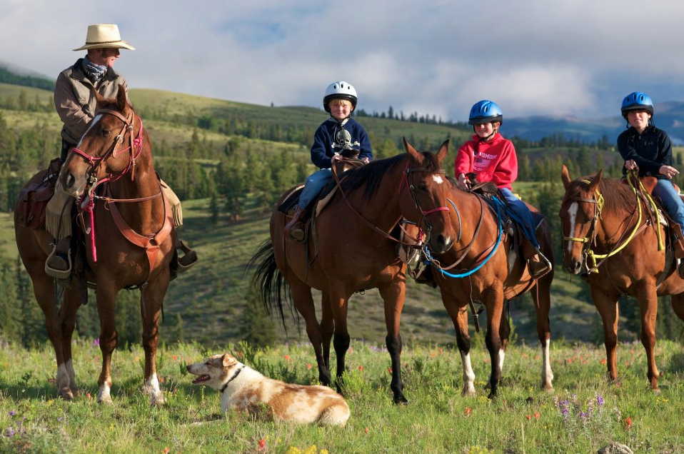 Kids riding program at 4UR Colorado Dude Ranch