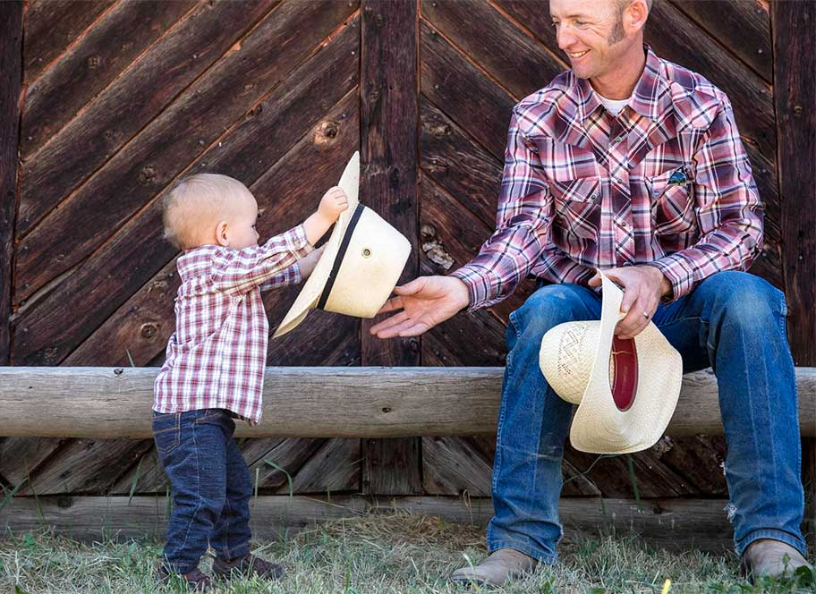 Damon Gibbons demonstrating that a Colorado horseback riding vacation at 4UR Ranch appeals to all ages